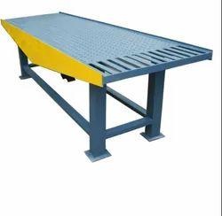Paver Block Vibrator Table Machine