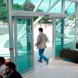 Plain Automatic Glass Door, For Office, Thickness: 20 Mm