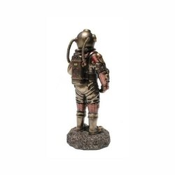Brown Latest Home Decor Steampunk Sea Diver, For Gift Items & For Personal Use, Dust With Dry Cloth