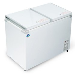 Blue star Hard Top Chest Freezers, Capacity: 100-600, Number of Basket: 1