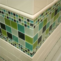 SISA Wall Cladding Crystal Glass Mosaic Border Tiles, Size: 25 X 25 X 4 Mm