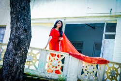 Beads And Cutdana Border Red Hand Work Saree, Size: Full, 6 M (With Blouse Piece)