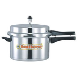 Sunflower Silver 3 L Aluminium Pressure Cooker, For Home