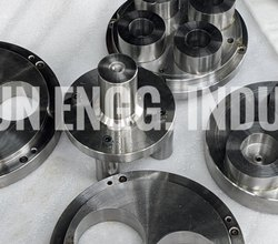 PTFE Gasket Die, For Molding, Packaging Type: Box