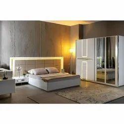 Antique White Designer Oak Wood Bed, For Bedroom, Size: 4x6 Feet
