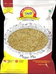 OM Moong Dal Namkeen, Packaging Type: Packet