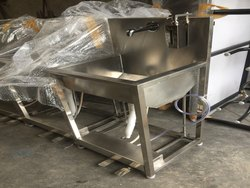 SRINIVASA Pedestal Foot Operated Wash Basin