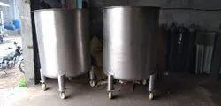 Liquid Stirring Mixing Vessels