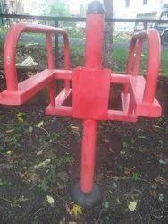 Red Mild Steel Amusement Rides, Capacity: 100