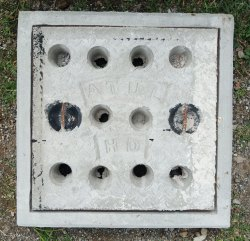 18x18 Inch Heavy Duty Grey Iron Manhole Cover