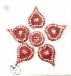 Red Round Decoration Sticker, Size/Dimension: Small, Packaging Type: Polythene