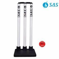 Cricket Rubber Stump Base With Plastic Stumps - Glare (White/Black)