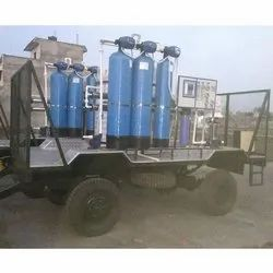 Ultra Filtration Stainless Steel Mobile RO Water Purifier Plant, Water Storage Capacity: 2000 L