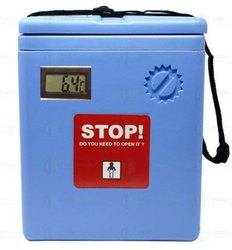 Vaccine Carrier Box With Digital Thermometer Display