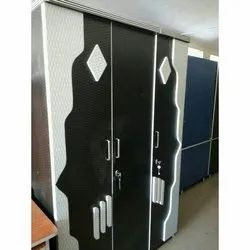 Black And White Hinged Laminated Wooden Bedroom Wardrobe