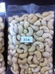 Raw Natural Cashew W320, Packaging Size: 10 kg