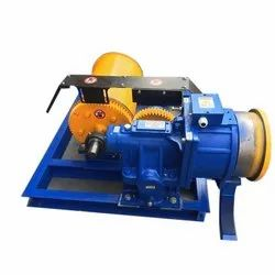 Goods Lift Machine, Capacity: 1 Ton