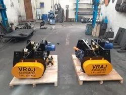 Vraj Heavy Duty Wire Rope Hoist With Trolley, Capacity: 1-3 ton, Length: 0-2 meter
