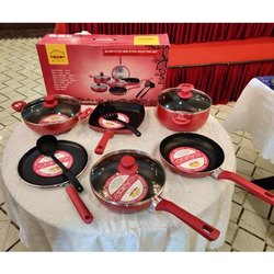 Aluminium Maroon and Black Blush 8 Piece Non Stick Induction Set, For Home