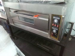 COMMERCIAL SINGLE DECK TWO TRAY ELECTRICAL BAKERY OVEN