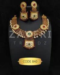 840 Artificial Necklace Sets