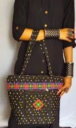Women's Bandhej Print Shoulder Bag - Kutchi Bandhani Purse