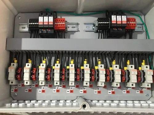 Solar DCDB 10 in 10 Out Box