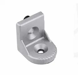 Dexterous Aluminium Slot 8 Swivel Bracket, Size: 28x38r Mm
