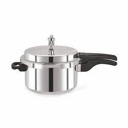 Diamond Aluminium Round Pressure Cooker, For Hotel, Restaurant & Home, Capacity: 5 Litre