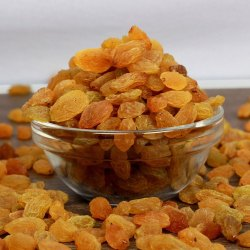 Packed Golden Raisins, Packaging Type: Plastic Box, Packaging Size: 5 Kg