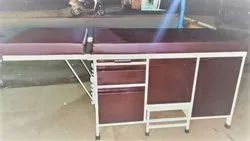 Examination Coach with Three Cupboard One Drawer