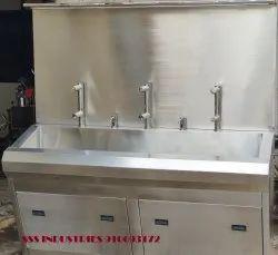 Hospital Scrub Sink Triple Station Scrub Sink