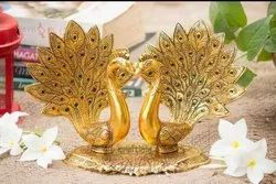 Golden Color Coated Kissing Peacock Decorative Showpiece, For Decoration