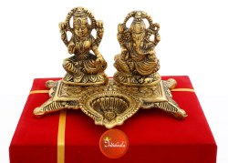 Metal Lakshmi Ganesha Statue, Size: 5 X 5 X 3.5 Inch W X H X L