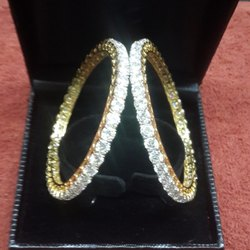 21 ctw. Moissanite Diamond Single Line Bangle in 18k Yellow Gold