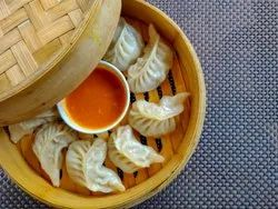 Chicken Momos, 25 Piece Per Pack, Packaging Type: Packet