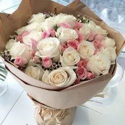 Pink Rose Decoration Bouquet Packing and Gifting