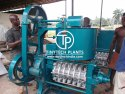 7 Bolt Commercial Oil Expeller Machine, Capacity: 1-5 Ton/day