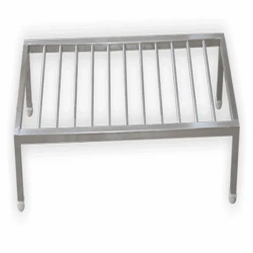 2 Feet Polished Ss Dunnage Rack Rs 6500 Piece Ar Equipments India Id 22636550555