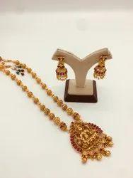 Golden Round Antique Earring 11