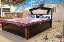 Wallnut Color Luxurious Modern Design King Size Bed, Size: 6 X 6.5 Feet