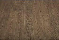 Karnav Brown Real Wood Flooring, Surface Finish: Matte, Thickness: 14 Mm