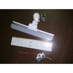 White Ceramic 10 Watt T Bulb Raw Material, LED Life: 2 Year