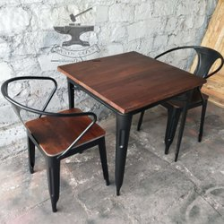 Black 1 Table And 4 Chairs Industrial Restaurant Furniture, For Cafe,Restaurant, Size: 75x75x75 Cm Lxxh
