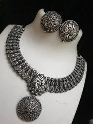 Alloy Designer Pendant Necklace Set