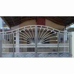 Secure Tronix Silver Decorative Stainless Steel Hinged Gate, For Home