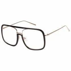 男演示镜头TR配金属大方形眼镜框