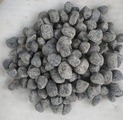 Natural Stone Tumbled Black Granite Pebbles, For Landscaping, Dimensions: 2