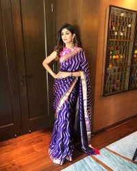 Zari Party Wear Celebrity Saree, With Blouse Piece, 5.5 m (Separate Blouse Piece)