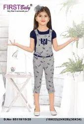 3/4th Length Girls Printed Dungaree Set